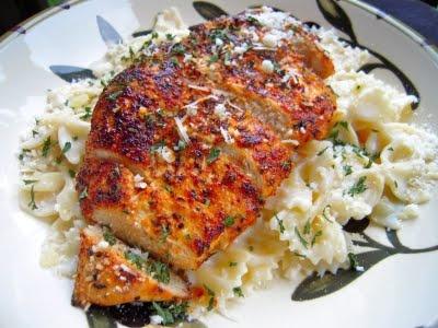 Blackened chicken with Garlic Alfredo Bowie pasta