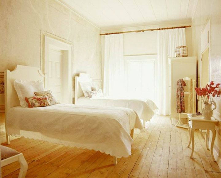 Allegra Beds