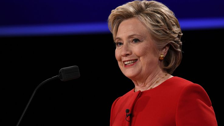 5 Moments Hillary Clinton Took Control of the Debate: Take a look at all the moments when Hillary was one step ahead of Donald in the first presidential debate.