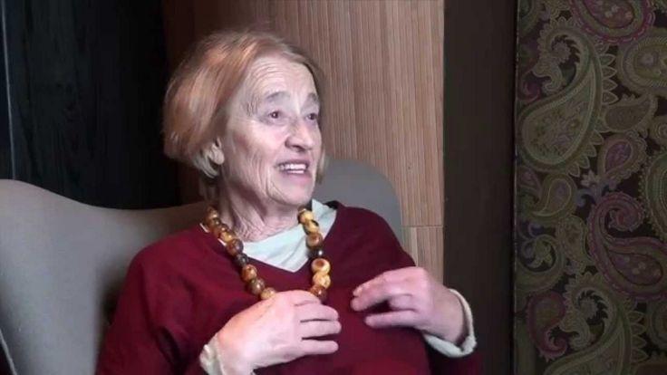 Известный немецкий преподаватель, системный семейный терапевт, специализирующийся на отношениях родителей и детей, Марианна Франке-Грикшв программе «Простые вопросы» с Егором Хрусталёвым. Вы высту…