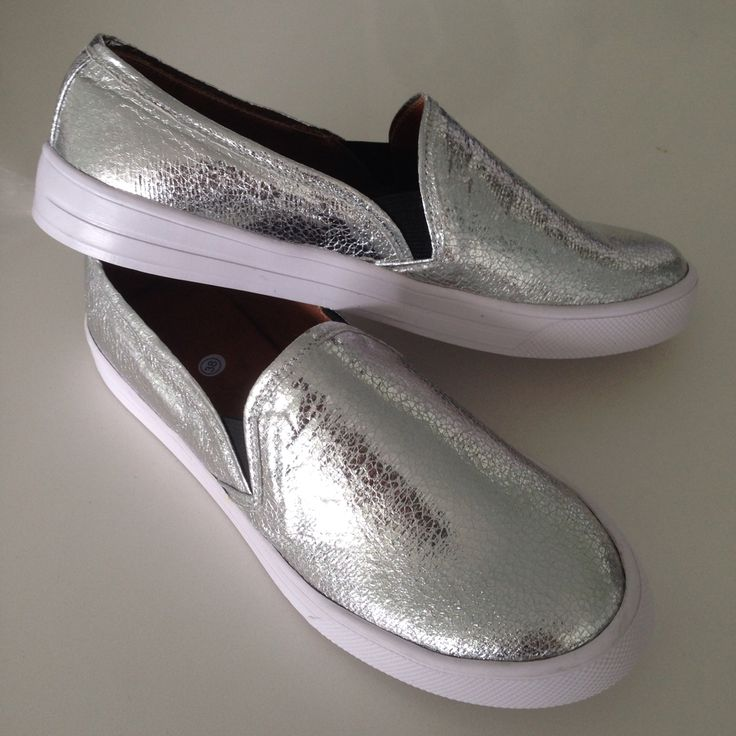 Slip-on silver