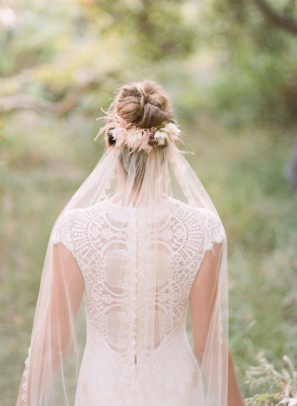 Romantique Bride by Claire Pettibone Wedding Dress Inspiration | Wedding Sparrow | Shane and Lauren Photography