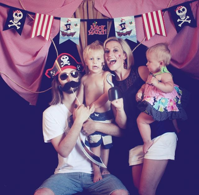 pirate photo booth!
