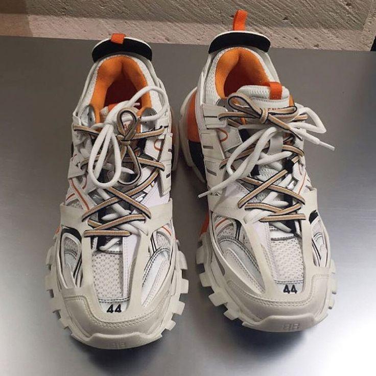 NEUE KOLLEKTION: KLICKEN SIE AUF UNSERE WEBSITE   – sepatu