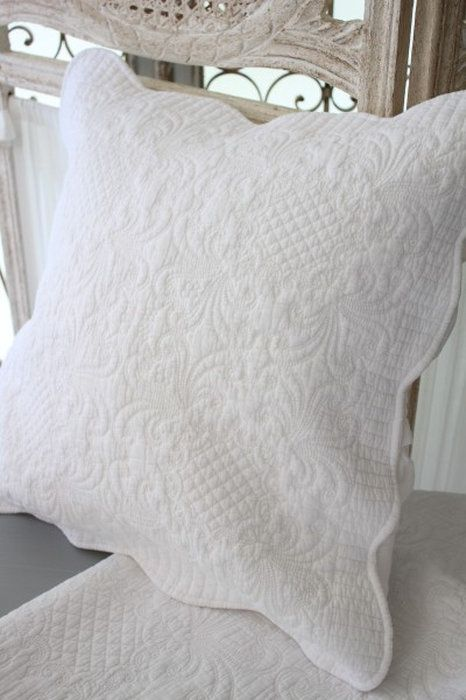 ホワイトキルトシリーズ♪♪【アラベスク柄・クッションカバー45×45】キルティングマルチカバーキルティングラグ敷物布製フレンチカントリーシャビーシック綿100%
