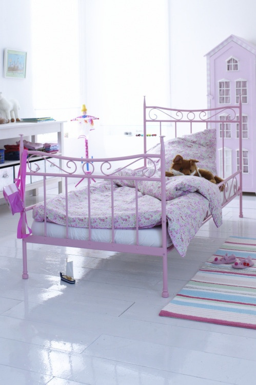 cute bed, would prefer in white or grey