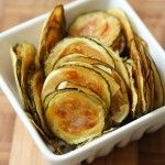 FOREVER YOUNG: BAKED ZUCCHINI CHIPS. YUMMMMMM.