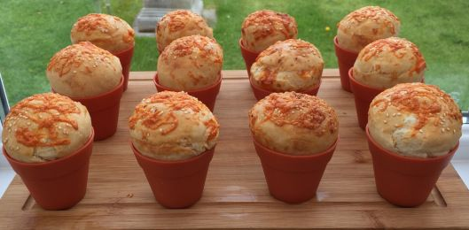 Plantpot loaves with Cheese & Garlic