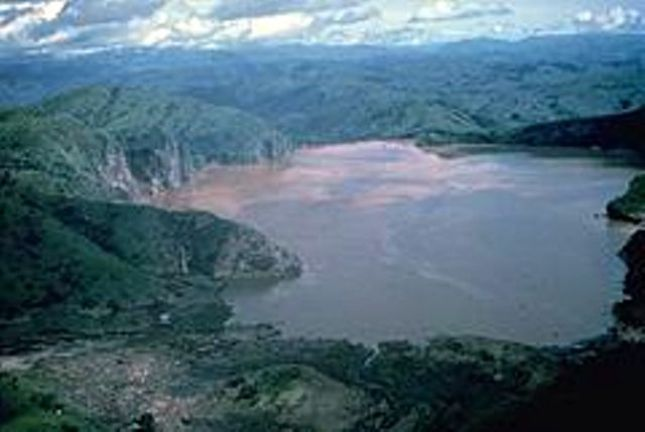 WorldStage Newsonline-- Hope for the restoration of the drying Lake Chad has been boosted as the Lake Chad Basin Commission and a Chinese firm, POWERCHINA International Group signed a $1.8 million Memorandum of Understanding to transfer water from the Congo Basin to Lake Chad Basin.