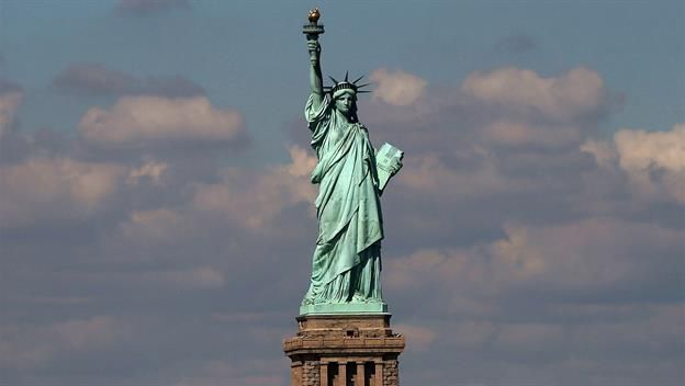 #HTE June 17 1885: Statue of Liberty arrives in New York Harbor On this day in 1885 the dismantled Statue of Li