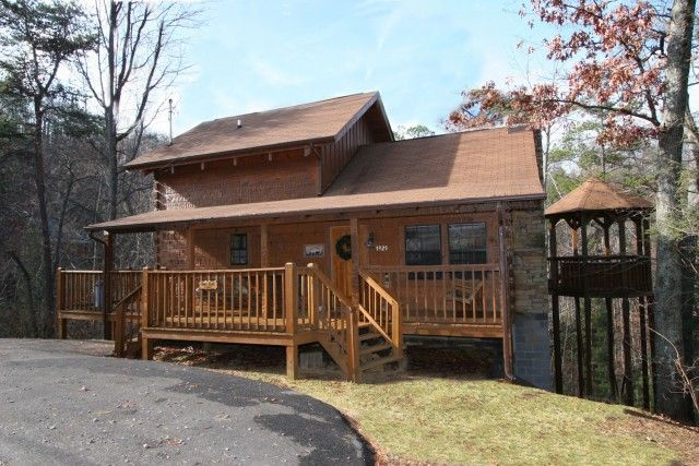 Bear Cub   This Is A Spacious 2 Bedroom Cabin In The Smokies. #luxury