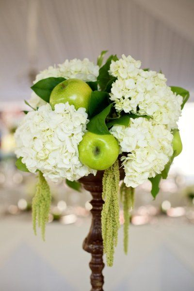 I like this combination of hydrangeas and apples