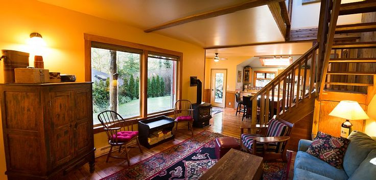 Heron House is the perfect getaway for a couple traveling alone or with family or friends. Situated on the west coast of Vancouver Island centrally located on the bike and walking path between the village of Tofino ...