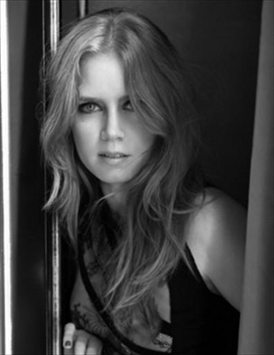 Black and White Amy Adams Picture