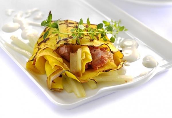 La ricetta dello chef Bruno Barbieri Crespelle gratinate con cardi, salsiccia e salsa di caprini