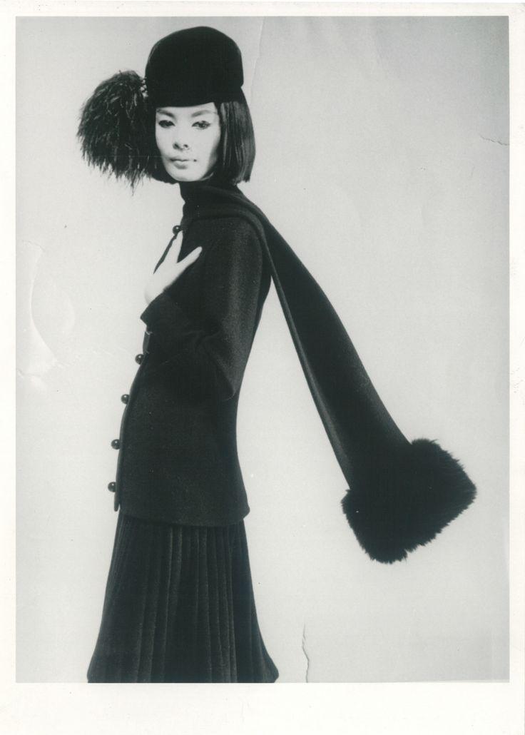 portrait of hiroko matsumoto for pierre cardin 1960s - Pierre Cardin Costume Mariage