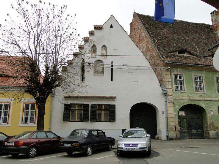 Casa Böbel, sec. XIV, este considerata a fi cea mai veche casa de locuit din…