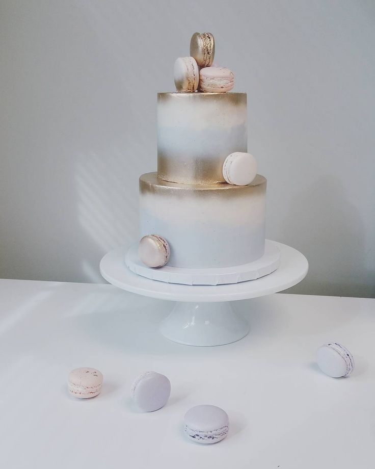 The 25 best Two tier cake ideas on Pinterest Tiered cakes