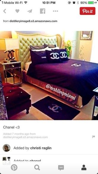 blouse bed set black and white cover carpet mat bedding jeans jewels t-shirt swimwear chanel