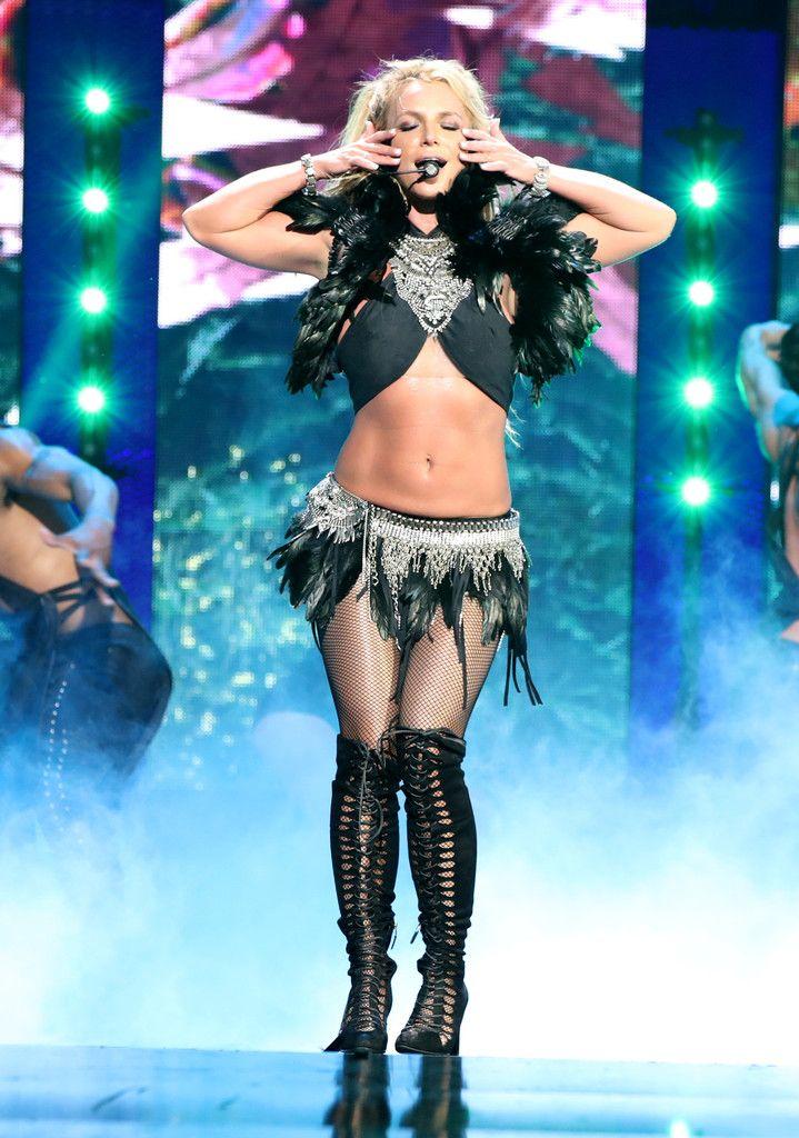 Britney Spears Photos Photos - 2016 iHeartRadio Music Festival - Night 2 - Show - Zimbio