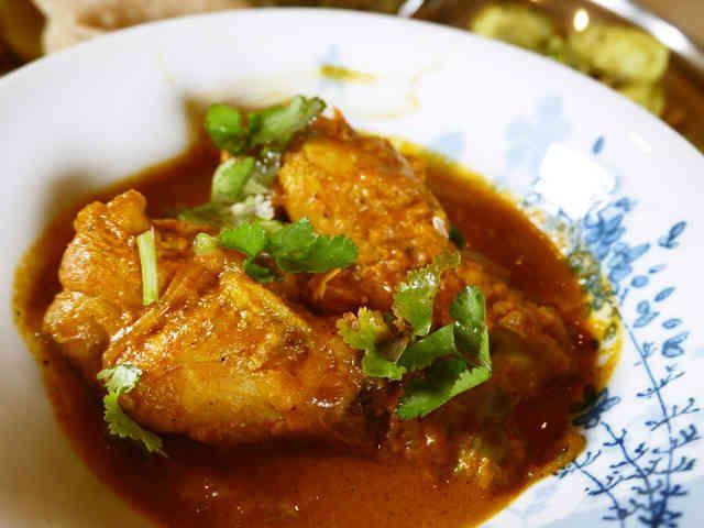 秘密のチキンカレー:ネパール料理の画像
