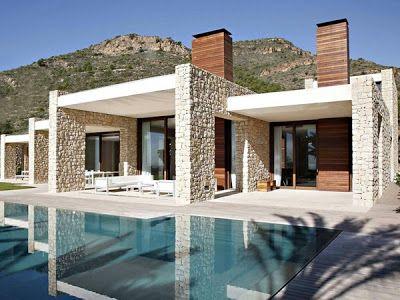 fachada de piedra y madera
