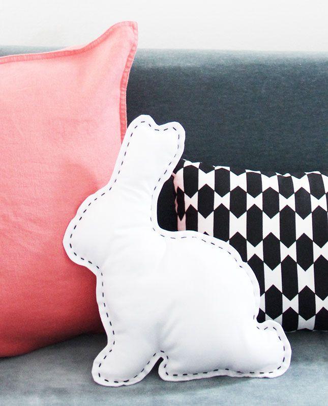 Ostern-Hasenkissen - free pattern - Anleitung und gratis Schnittvorlage