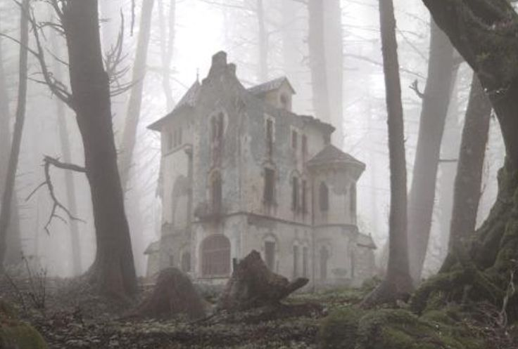 Eerily creepy lonely abandoned house in an undisclosed location