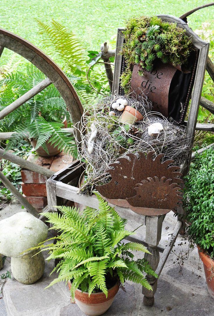 Diesen Stuhl und viele weitere schöne Dekoideen findet Ihr im Ferienhaus Casa Valrea in Italien. www.casavalrea.de Wir sind in unser Paradis gezogen und lassen auch Feriengäste darin wohnen. Falls ihr Lust habt auf italienisches Landleben in schönen Ferienwohnungen, dann kommt uns besuchen