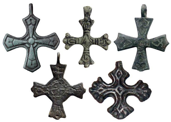 Рис.3 Древнерусские нательные кресты скандинавских типов, XI-XIII вв