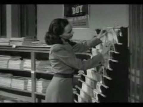 """Shadow of a Doubt (1943) = La sombra de una duda / Alfred Hitchcock.  Miss Cochran: -- """"Sabes también como yo que la Biblioteca cierra a las 7:00h. Si hago una excepción contigo la tendré que hacer con todo el mundo."""""""