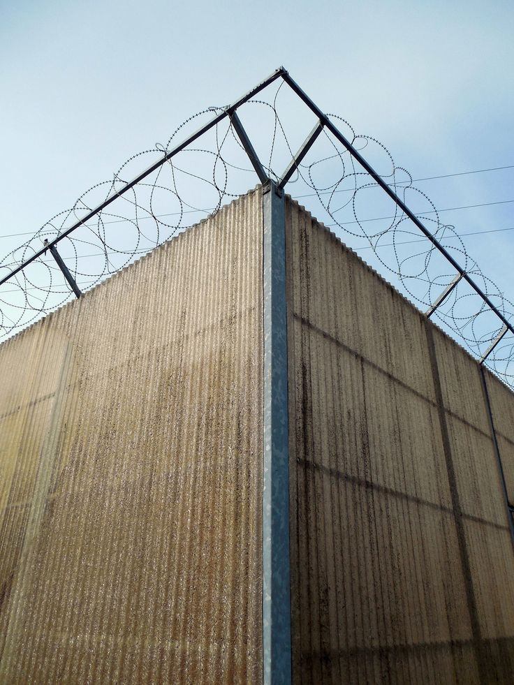 41 best Wire Fencing images on Pinterest   Chicken wire, Wire fence ...