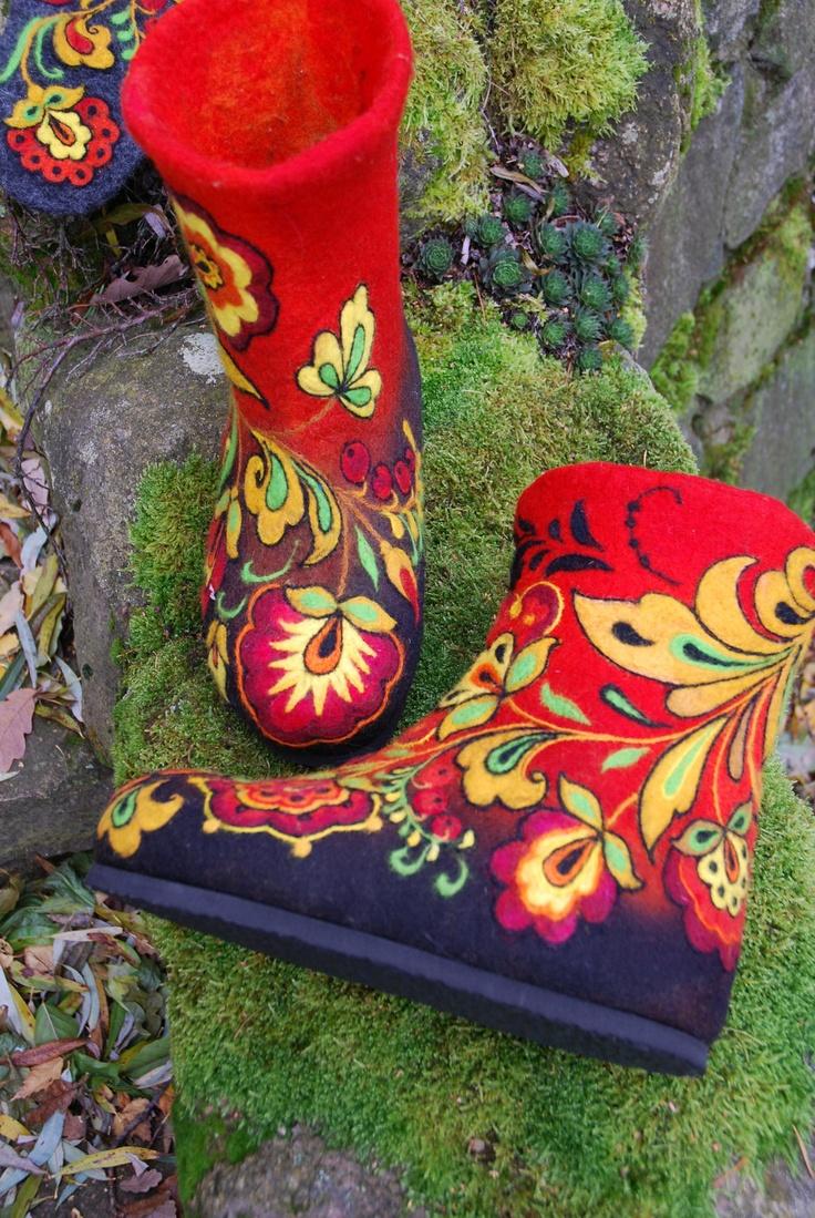 Felted Low shoes- Khokhloma via Etsy.