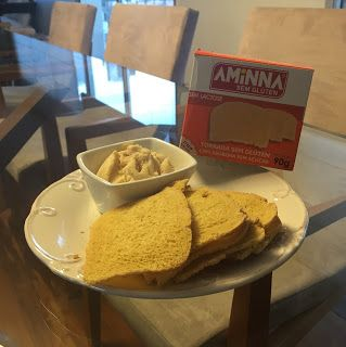 Por Erika de Castro Neves: Health Food Tip: Torrada + Hommus!