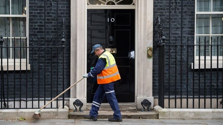 Autumn Statement shows cost of casual work 'gig economy' - http://www.worldnewsfeed.co.uk/news/autumn-statement-shows-cost-of-casual-work-gig-economy/