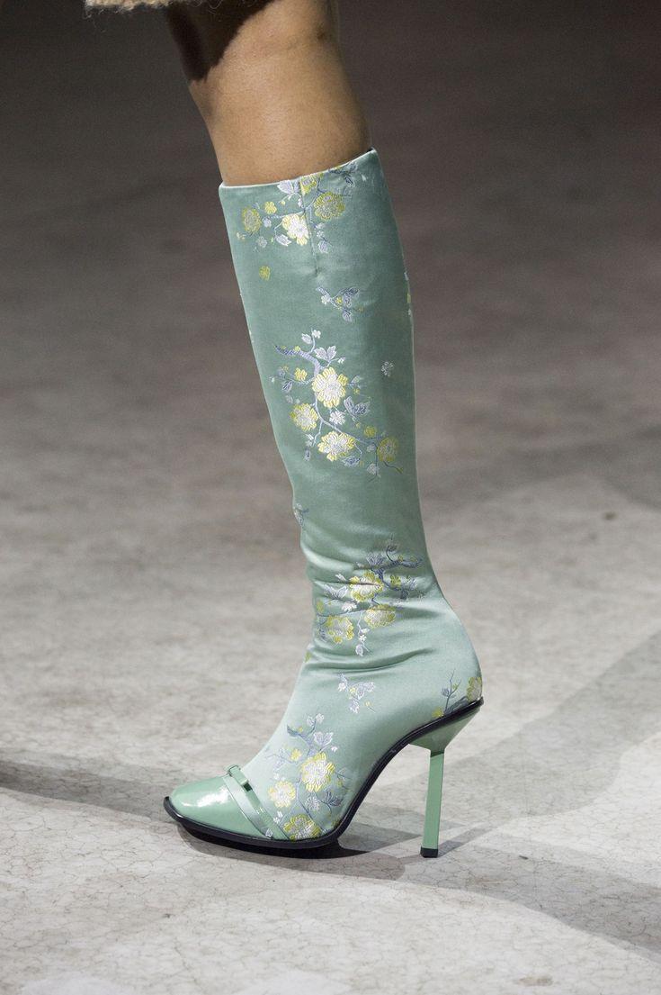 Kenzo Fall 2018 Fashion Show Details. All the Fall 2018 Paris Menswear fashion shows… - https://sorihe.com/zapatosdemujer/2018/02/24/kenzo-fall-2018-fashion-show-details-all-the-fall-2018-paris-menswear-fashion-shows-2/ #shoeswomen #shoes #womensshoes #ladiesshoes #shoesonline #sandals #highheels #dressshoes #mensshoes #heels #womensboots #womenshoesonline #buyshoesonline #cheapshoes #cheapshoesonline #walkingshoes #silvershoes #ladiesfootwear #shoeshops #ladiesshoesonline #goldshoes…