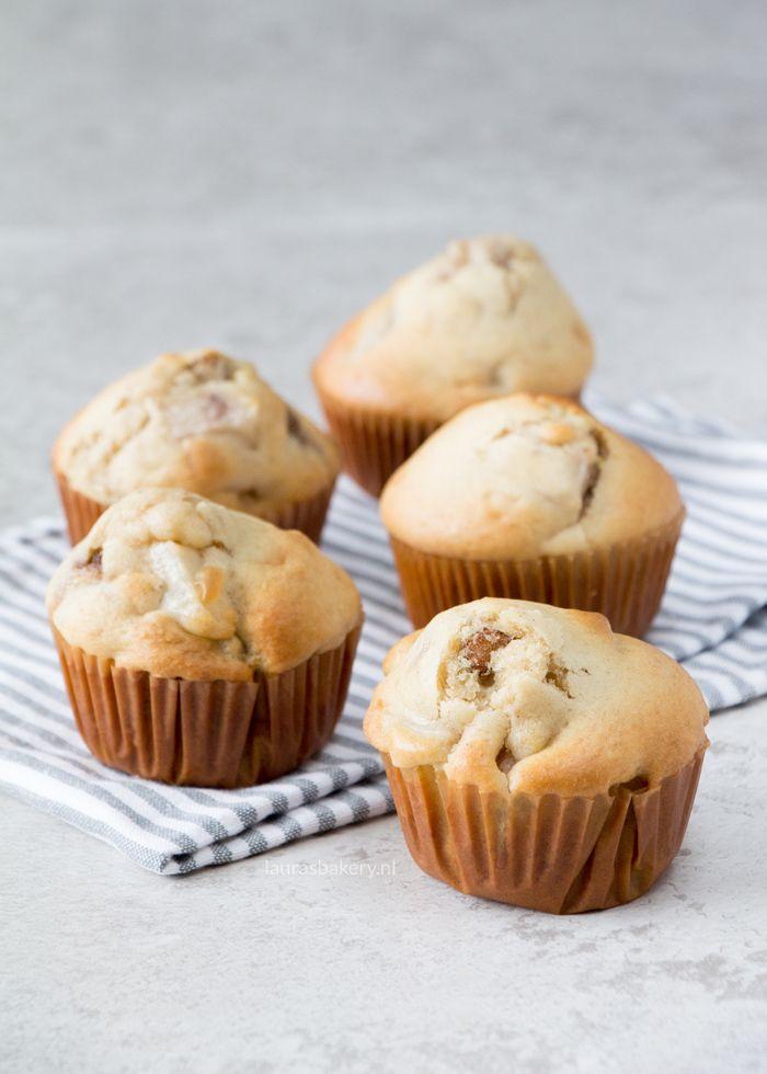 Deze peren muffins zijn fris van smaak, maar geven je toch echt dat heerlijke herfstgevoel door de toevoeging van een paar extra ingrediënten.