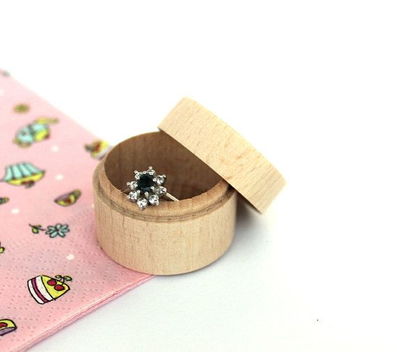 Set of 20 tiny wooden boxes / small round jewelry by NeliStudio