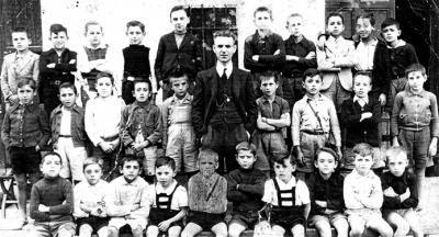 En la gestión de Ávila Camacho se canceló la educación socialista,la CNC agrupó al magisterio rural; se creó el SINATRACA,que agrupó a la totalidad del personal que laboraba dentro del sistema educativo nacional. Así, la educación y la instrucción fortalecieron la economía al preparar a individuos para el trabajo eficiente y productivo.