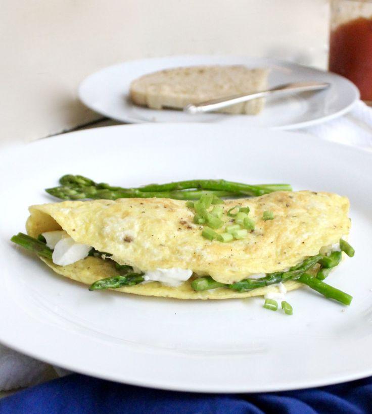 easy asparagus and goat cheese omelet easy asparagus asparagus goat ...