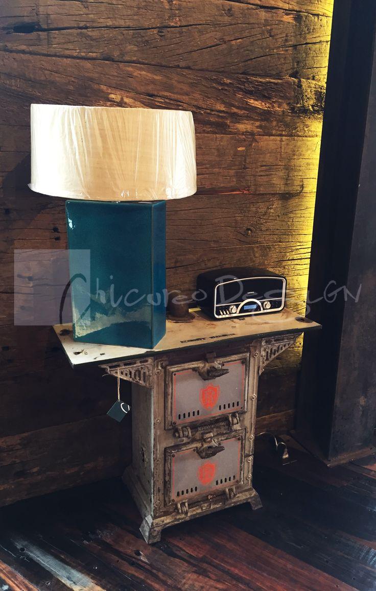 Chicureo Design. Chimenea original marca Richmond's Warrington utilizado como arrimo. www.chicureodesign.cl