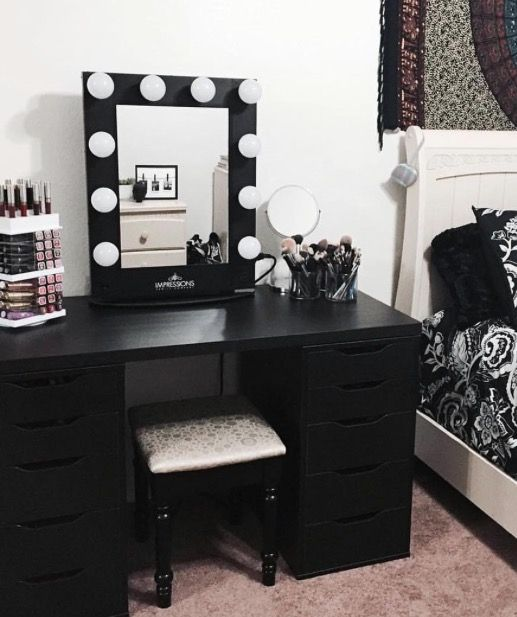25 best ideas about black makeup vanity on pinterest for Black makeup table with mirror