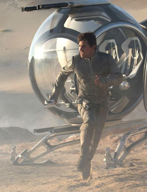 Vjen imazhi i fundit nga filmi post-apokaliptik i John Krasinskit, Oblivion. Ne imazh shihet Tom Cruise, derisa pjese e kastit te filmit qe shfaqet ne kinema me date 12 prill 2013 jane edhe Morgan Freeman, Andrea Riseborough, Melissa Leo, dhe Olga Kurylenko.