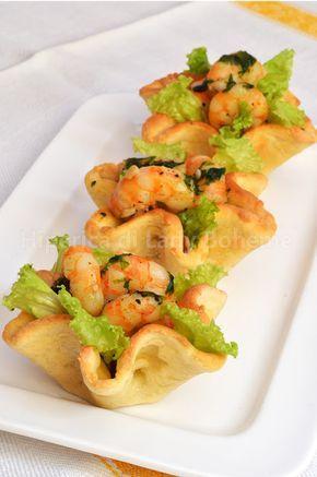 Cestini di pasta sfoglia con gamberetti  Baskets of puff pastry with shrimp