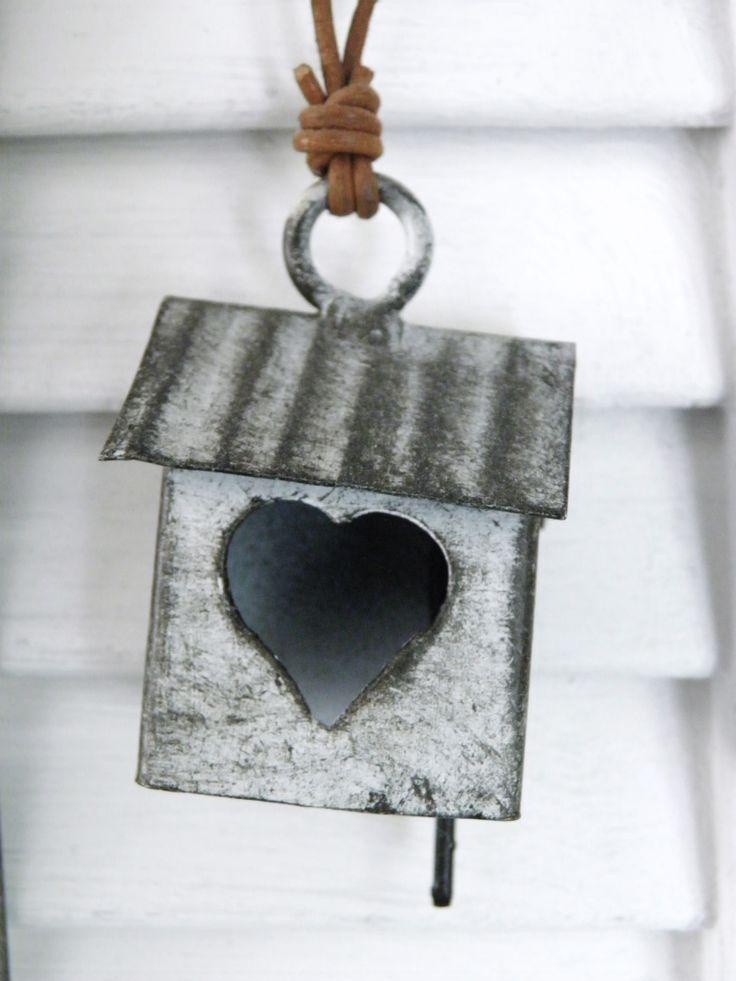 281 best little zinc houses images on pinterest for Decoration zinc