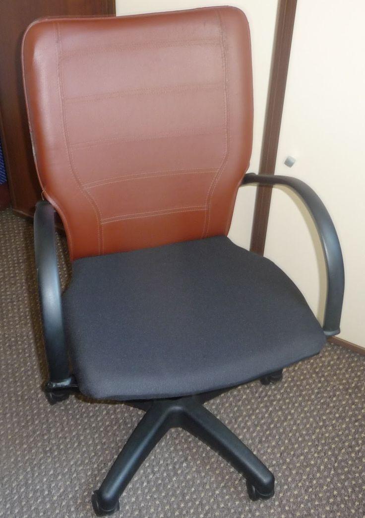 Ręko-czyny: Naprawa obicia fotela do biurka