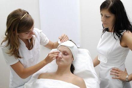 Bízzuk profi szakemberre időnként magunkat és bőrünk meghálálja majd a törődést!