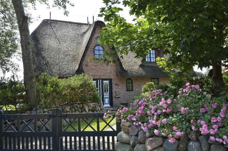 Traumhafte Atmosphäre auf Kampen #Sylt #Landhausstil #Ferienwohnung #Traumgarten #Kampen