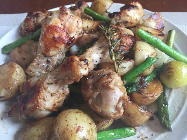 じゃが芋と鶏の手羽肉のアンチョビ炒め✨の画像