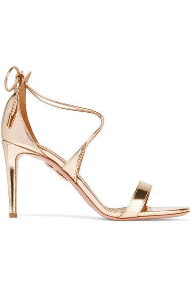 Die Absatzhöhe beträgt etwa 85 mm  Goldfarbenes verspiegeltes Leder  Werden am Knöchel gebunden  Hergestellt in ItalienFallen klein aus. Siehe Größe & Passform.